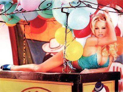 Pamela Anderson - 45